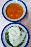 Thailändische Nahrungsmittelreisnudel-Fisch-Currysoße Stockbilder