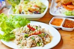 Thailändische Nahrungsmittelwürziges gehacktes Geflügelsalat stockbild