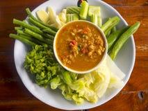 Thailändische Paprikapaste mit Mischung des Frischgemüses, Thailand-Lebensmittel nam Lizenzfreie Stockfotos