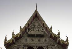 Thailändische Skulptur im thailändischen Tempel Stockfotos