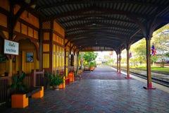 Thailändische Station des Zugs stockfotografie