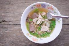 Thailändische Suppe mit Schweinefleisch Lizenzfreies Stockbild