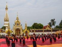 Thailändische Tanzenleistung Lizenzfreies Stockfoto