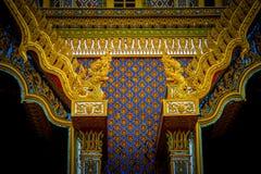 Thailändische traditionelle Malereikunst auf dem thailändischen Tempelerrichten Lizenzfreie Stockfotografie