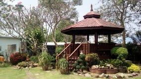 Thailändischer Artholzpavillon lizenzfreies stockfoto