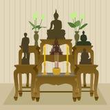 Thailändischer buddhistischer Altar-Tabellen-Satz Stockbild