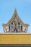 Thailändischer Buddist-Tempel Gable Roof Style stockbilder