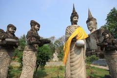 Thailändischer Fotorezeptor nhongkhai Tempel der hindischen Art Buddha-Statue Stockfoto
