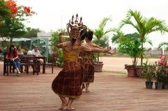 Thailändischer Frauentanz in der Show Lizenzfreie Stockbilder