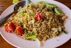 Thailändischer gebratener Reis mit Krabbenfleisch Stockbilder