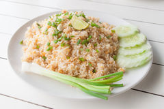 Thailändischer gebratener Reis mit Krebsfleisch stockbild