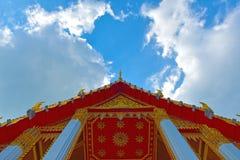 Thailändischer Himmel der Kirche Stockfotografie
