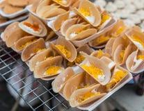 Thailändischer knusperiger Pfannkuchen für Verkauf Stockfoto