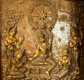 Thailändischer Kunststuck auf der Wand der Kirche Stockfoto