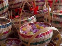 Thailändischer Nachtisch in den Korbwaren Stockfotos