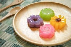 Thailändischer Nachtisch des Schicht-süßen Kuchens lizenzfreie stockfotografie