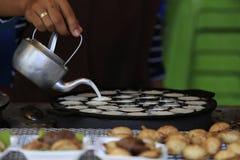 Thailändischer Nachtisch, kanom krok Lizenzfreies Stockbild