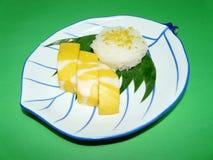 Thailändischer Nachtisch, khao niaow MA-muang Stockbilder