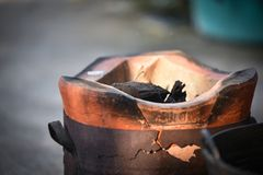 Thailändischer Ofen - Kamin Einheimisches Asien Stockbild