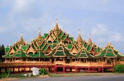 Thailändischer Palast Stockfotografie