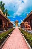 Thailändischer Palasttempel in Birma-Art Stockbilder