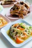 Thailändischer Papayasalat heiß und würzig, Som Tam Lizenzfreie Stockfotos