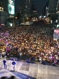Thailändischer Regierungsprotestierenderpöbel an asoke Schnitt stockfotografie