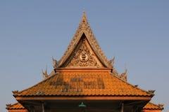Thailändischer Tempel des Dachs Stockfotos