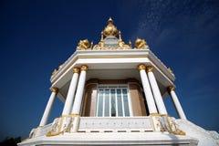 Thailändischer Tempel des waagerecht ausgerichteten Schusses in Thailand Stockfotografie