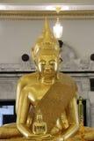 Thailändischer Tempel goldener Buddha Stockfotos