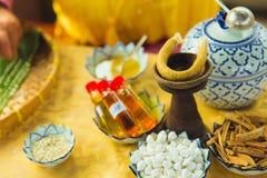 Thailändischer traditioneller natürlicher Aromageruch für rauchenden Lebensmittelnachtisch lizenzfreies stockfoto