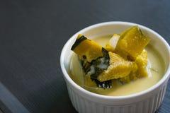 Thailändischer traditioneller oder thailändischer Nachtisch stockfotos