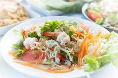 Thailändischer würziger Meeresfrüchte-Salat mit thailändischer Art des Suppennudelsalat-Lebensmittels Lizenzfreies Stockbild