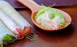 Thailändischer Zuckerwatte Burritopfannkuchen lizenzfreie stockfotografie
