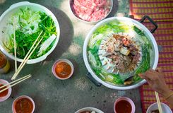 Thailändisches allgemeines Buffet, Grillschweinefleisch oder Grill auf heißer Wanne Lizenzfreie Stockfotos