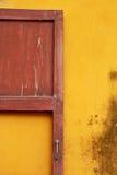 Thailändisches altes Türhaus. Lizenzfreie Stockfotografie