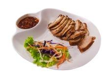Thailändisches Artlebensmittel Schweinefleischhals Grills lokalisiert lizenzfreie stockfotos