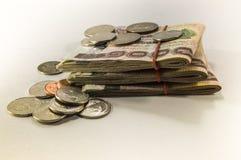 Thailändisches Geld, 1000 Bahtbanknoten auf weißem Hintergrund Stockbilder