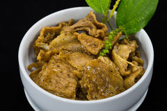 Thailändisches Lebensmittel Fried Pork Slice mit schwarzer Pfeffer-Soße Stockfoto