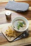 Thailändisches Lebensmittel: Gebratene Nudel in der Soße Lizenzfreies Stockbild