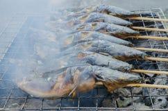Thailändisches Lebensmittel gegrillter Wels stockbild