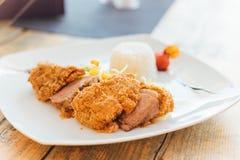 Thailändisches Lebensmittel mit Sonnenuntergang Lizenzfreies Stockfoto