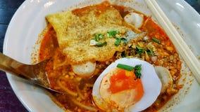 Thailändisches Lebensmittel, Tom Yum-Nudel Lizenzfreies Stockfoto