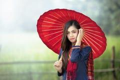 Thailändisches traditionelles, Porträt des Mode-Modells Nude Girl Indoors lizenzfreie stockbilder