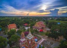 Thailändisches Wat, Sonnenuntergang im Tempel Thailand, sind sie public domain oder tr Stockfoto