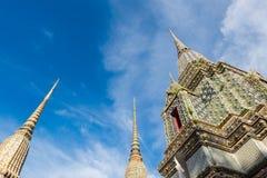 Thailändsk arkitektur i den Wat Pho templet på Bangkok, Thailand Royaltyfri Fotografi