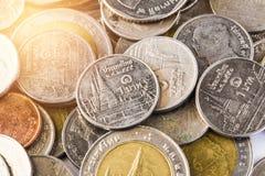 Thailändsk baht, pengar, thailändskt mynt Thai mynt för pengar & x28; bath& x29; Arkivfoton