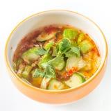 Thailändsk blandning för chilisås med gurkan och koriander Arkivbild