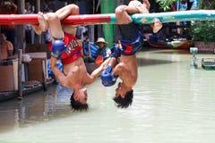 Thailändsk boxning för vatten (eller Muay Talay) Royaltyfri Bild