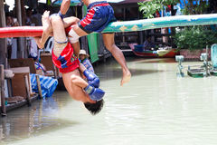 Thailändsk boxning för vatten (eller Muay Talay) Royaltyfria Bilder